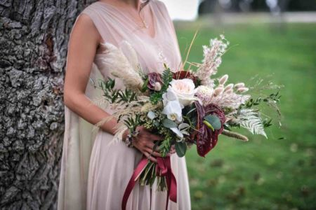 Ceremonie-laique-mariage-bouquet-table-domaine-moures-72