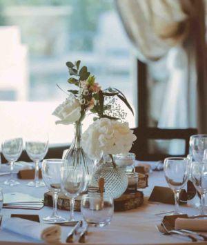 Ceremonie-mariage-centre-table-chateau-aumelas-101