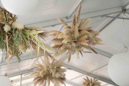 Suspension-florale-vegetale-mariage-verchant-moures-33